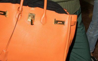 D'anciens employés d'Hermès jugés pour trafic de contrefaçon du célèbre sac Birkin